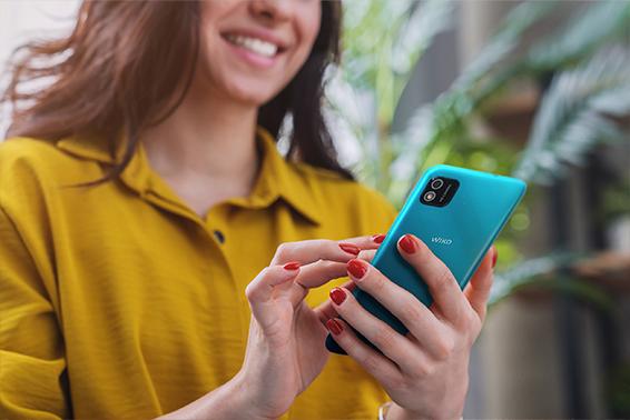 Más del 75% de los españoles prefiere contar noticias a través de un mensaje desde su smartphone antes que hacerlo en persona