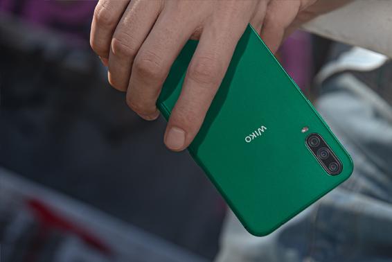 El verde pone color a la primavera y al nuevo smartphone View4 Lite de WIKO