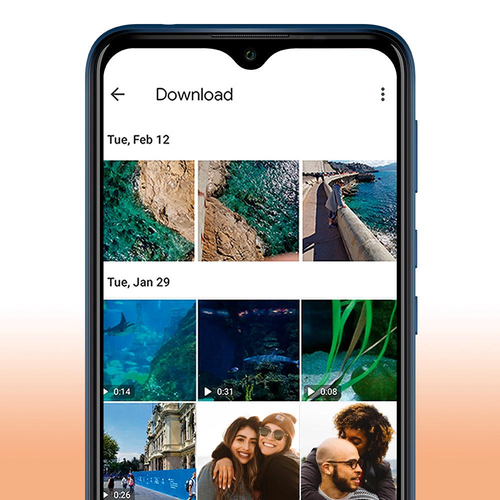Ecrã do Y81 a mostrar uma lista de fotos armazenadas na aplicação Galeria
