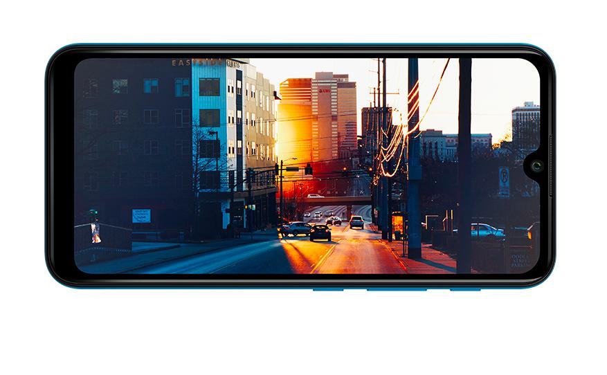 focar no grande ecrã Y62 exibindo uma fotografia artística de uma vista de rua